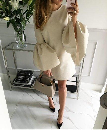 чудный пример женского образа в осеннем платье