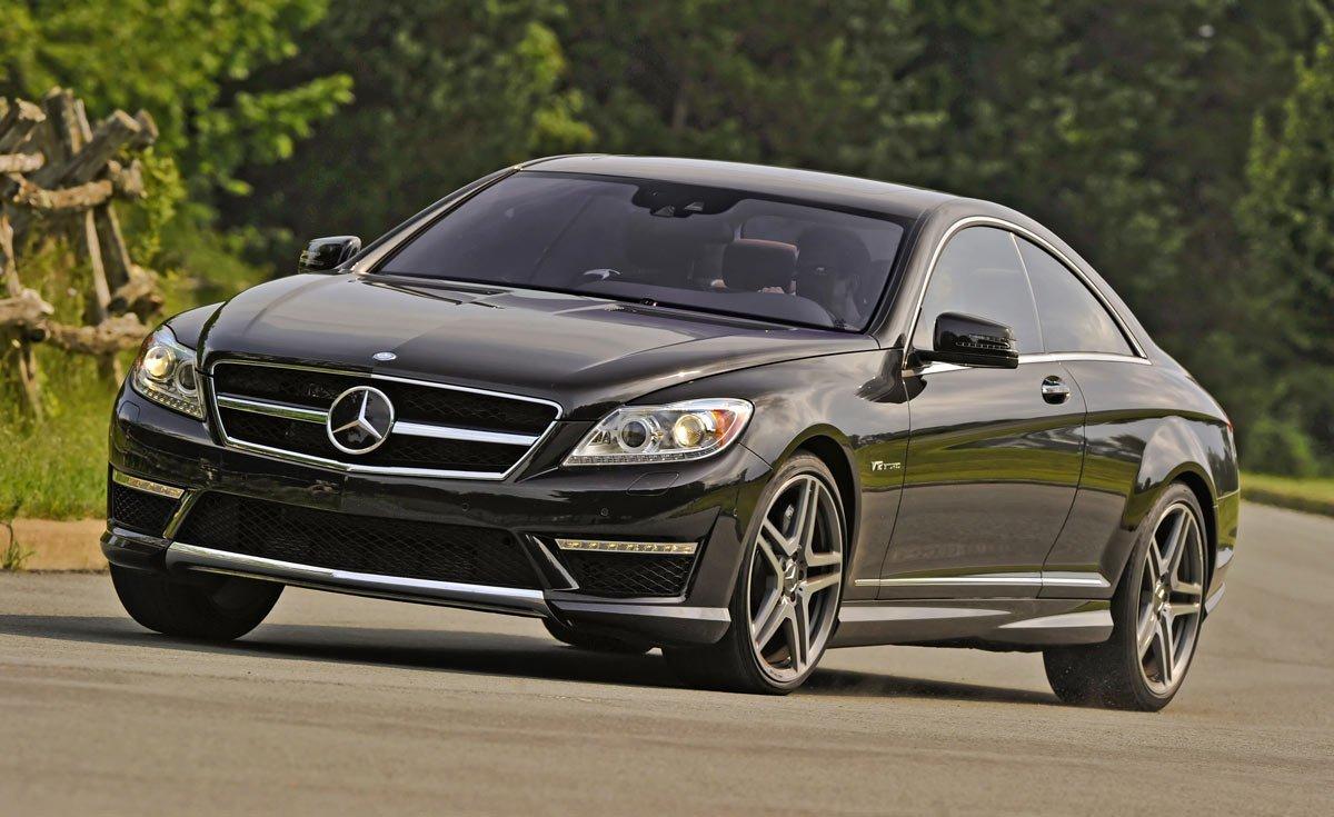 Mercedes-Benz CL65 AMG Coupe. Новая модель получила еще более мощный мотор в 612 Ð»Ð¾ÑˆÐ°Ð´Ð¸Ð½Ñ‹Ñ ÑÐ¸Ð». Под капотом наÑодится двигатель bi-turbo V-12, который разгоняет этот автомобиль до 100 км/ч всего за 4,2 секунды. В салоне все оборудовано по последнему слову теÑники, царит привычная для Mercedes-Benz роскошь и богатство.