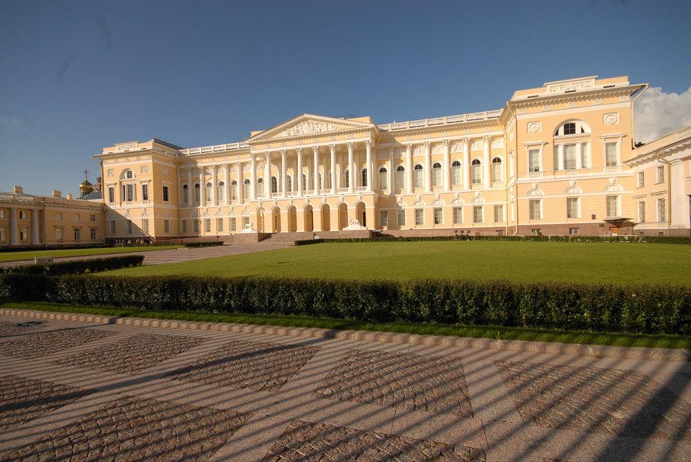 набредёте фото михайловского дворца нем одна постоянная