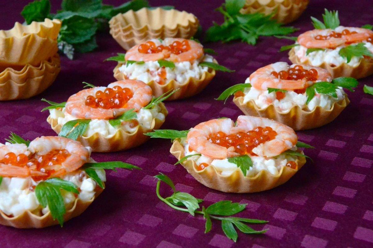 Закуски в тарталетках тарталетки - это маленькие корзиночки, приготовленные из теста.
