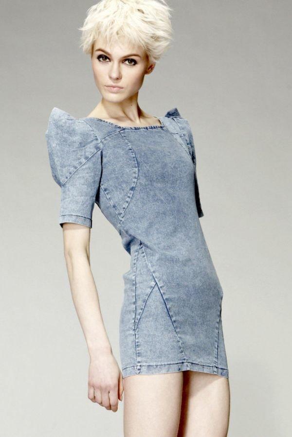 3b0c999d892 Деним отличается высокой плотностью. Поэтому любое джинсовое платье будет  отличать строгий четкий силуэт