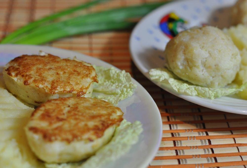 Вкусные паровые рыбные котлеты в мультиварке можно отнести к диетическому блюду.