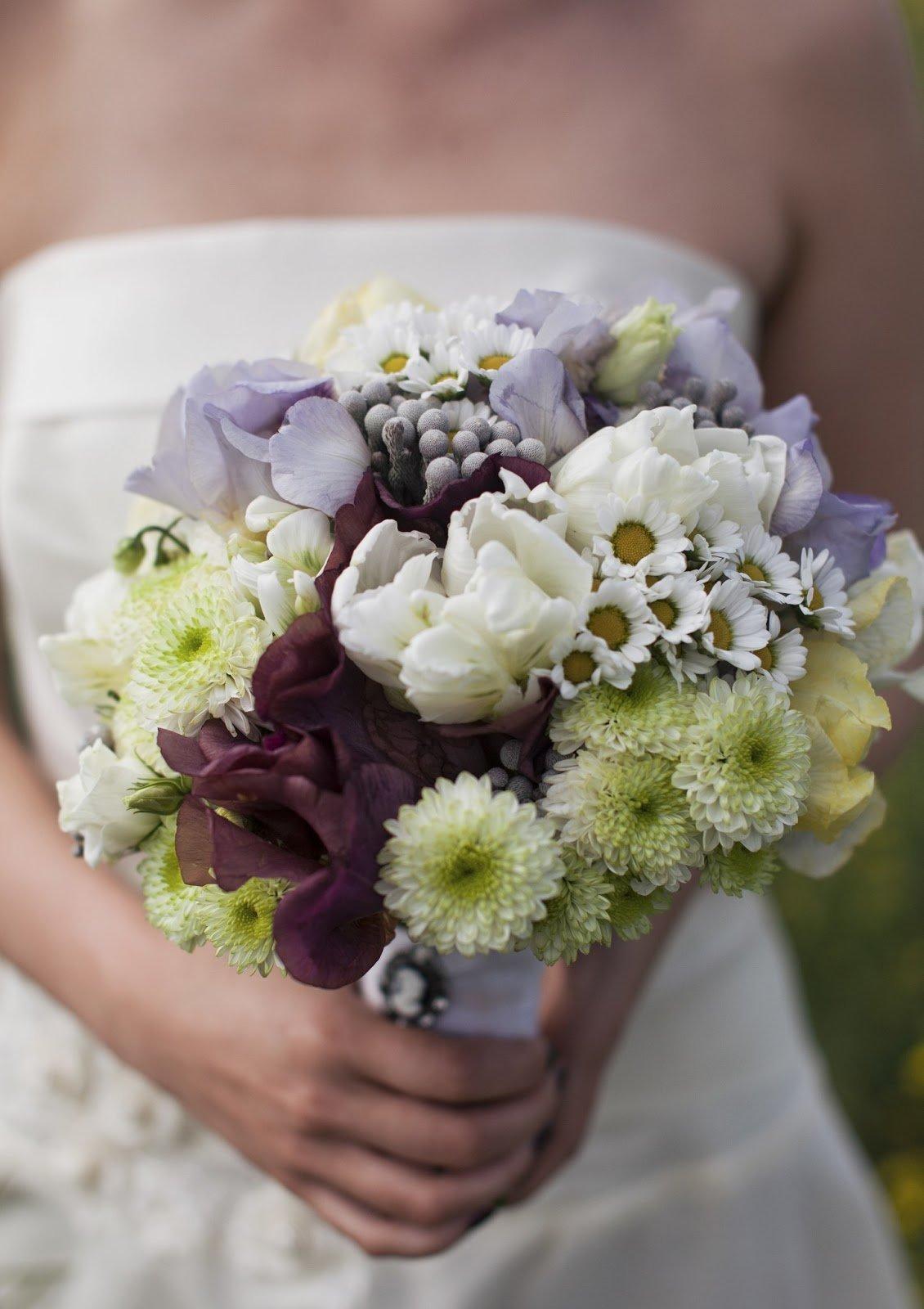 Оазисе, букет для подружек невесты из хризантем