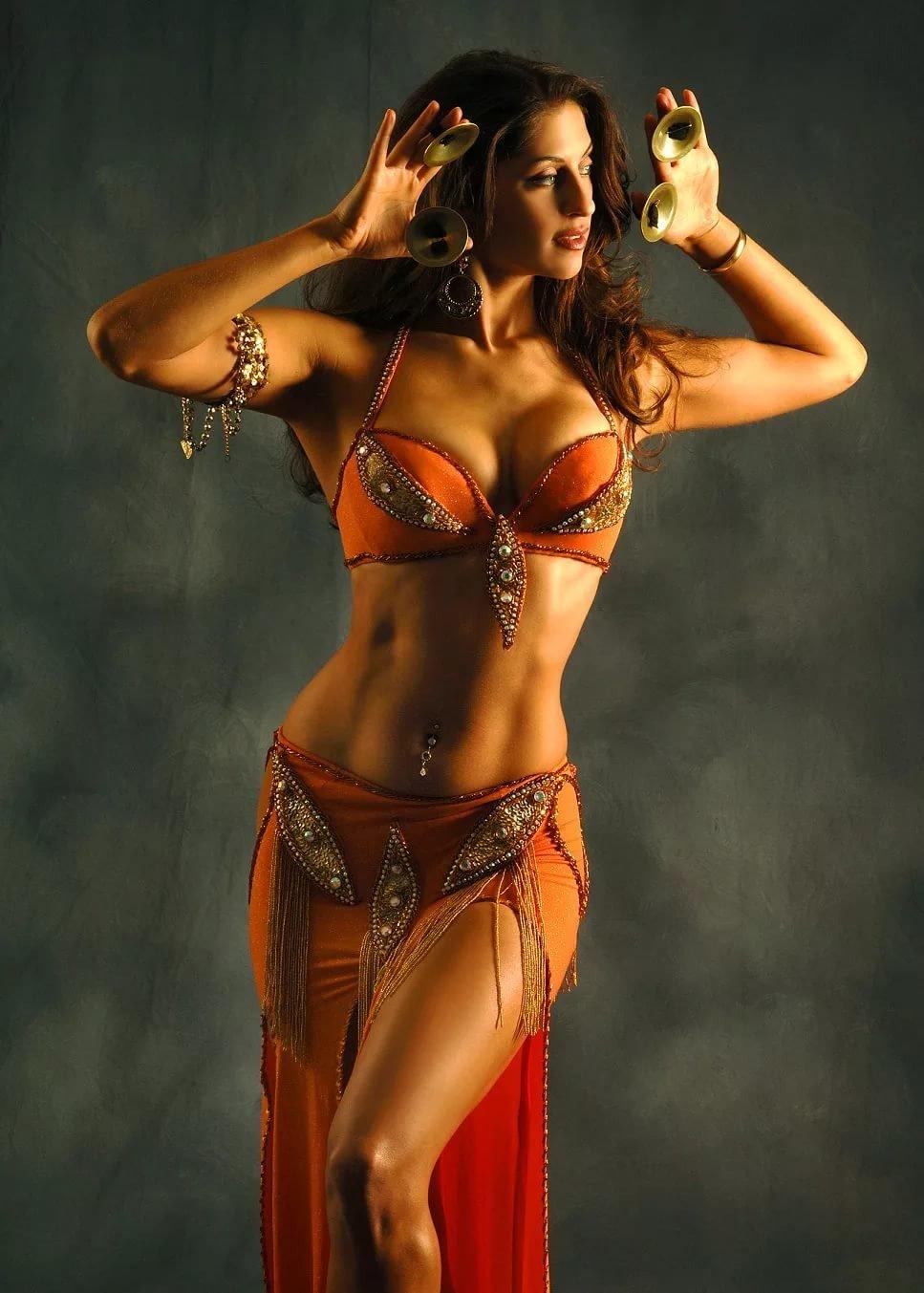 Hot dancing girl