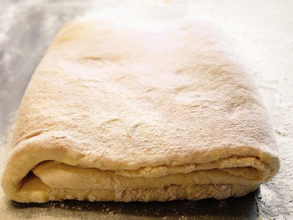 Как приготовить простое слоеное тесто