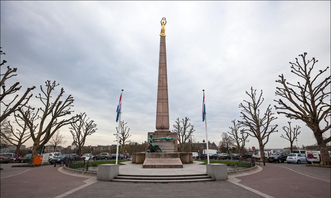 площадь конституции в люксембурге фото пришло время
