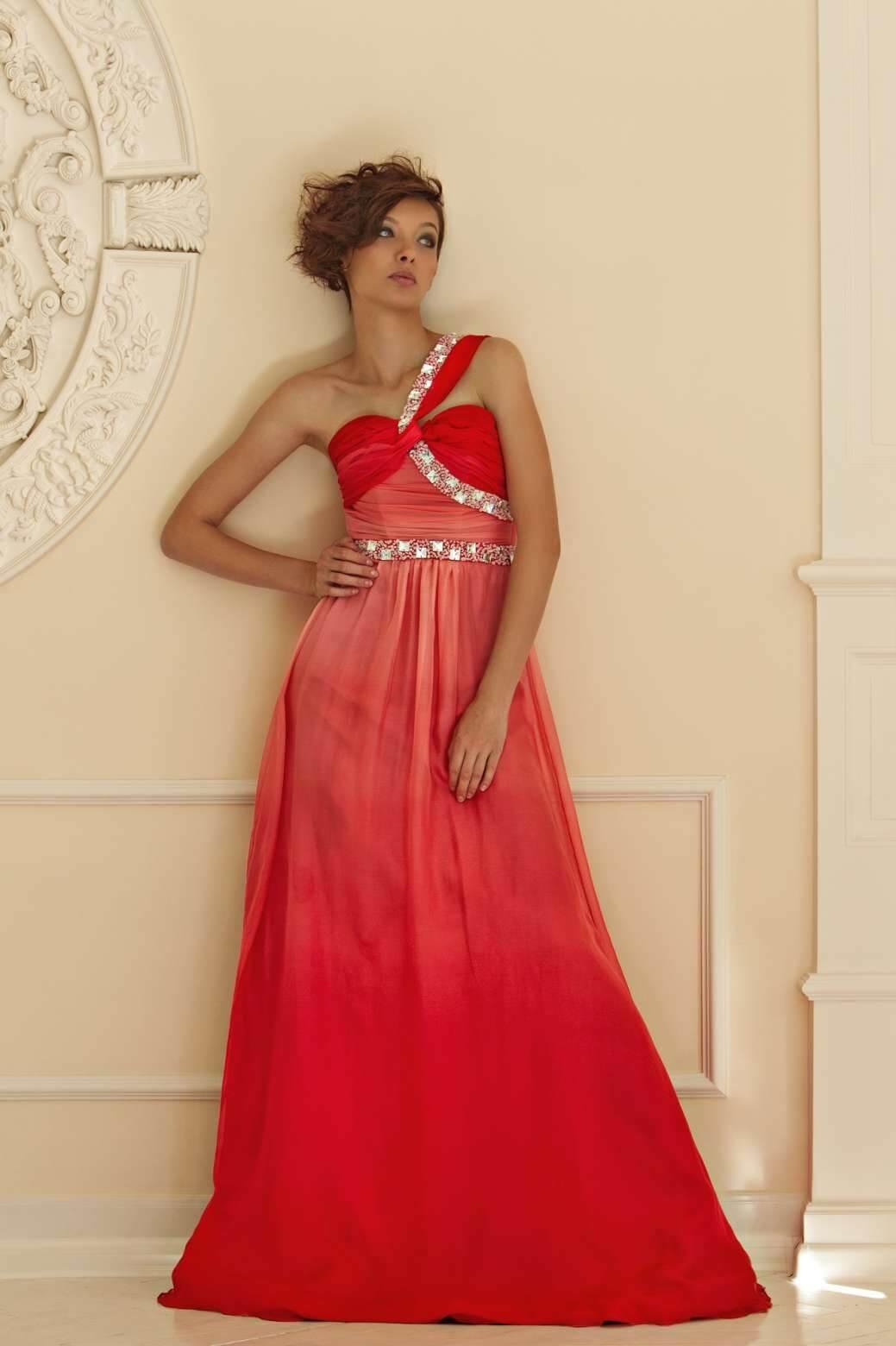 6a5b1c5c80b ... Красное свадебное платье с эффектом деграде
