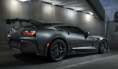 chevrolet corvette zr1 2019 черный