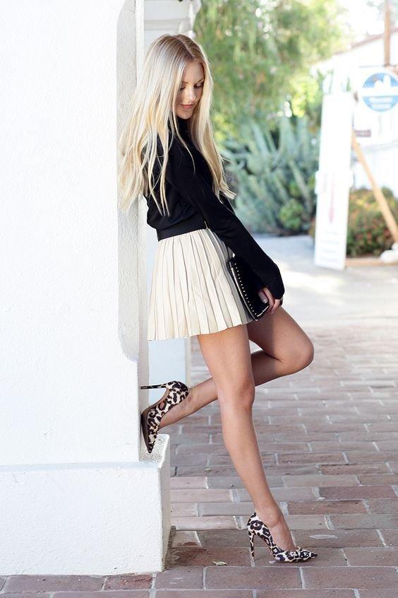 только фото девки на каблуках и оптягушие юбки так привлекает