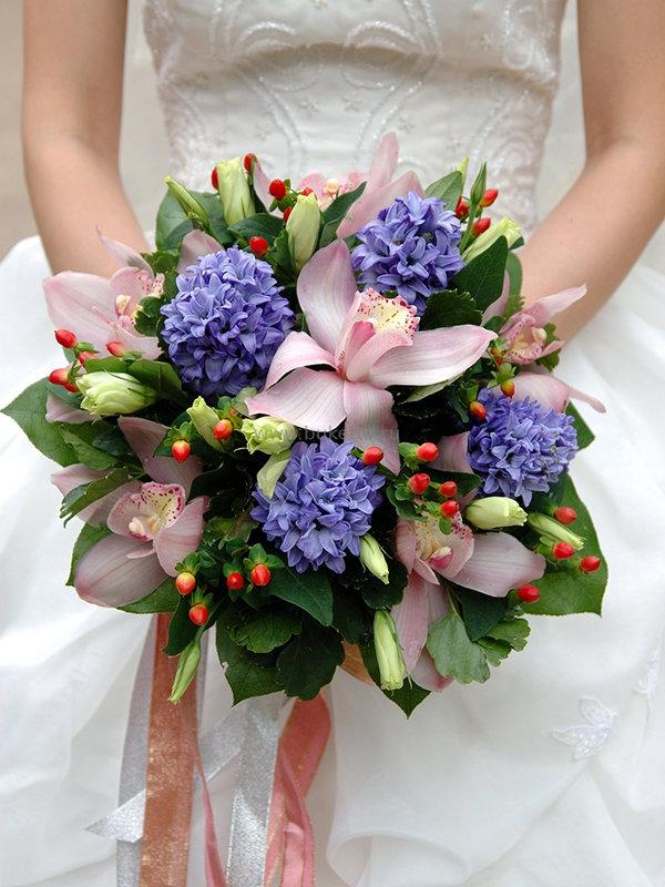 Свадебный букет с орхидеями и гиацинтом цена