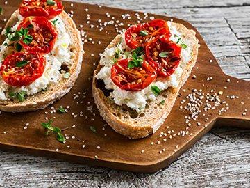 Хот-доги, бутерброды, гренки и прочие быстрые закуски — в Яндекс.Коллекциях. Смотрите фотографии с рецептами закусок, которые можно приготовить на скорую руку
