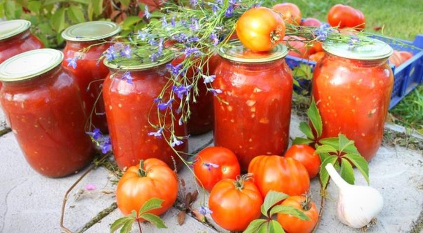 Вкусные помидоры в собственном соку пальчики оближешь.