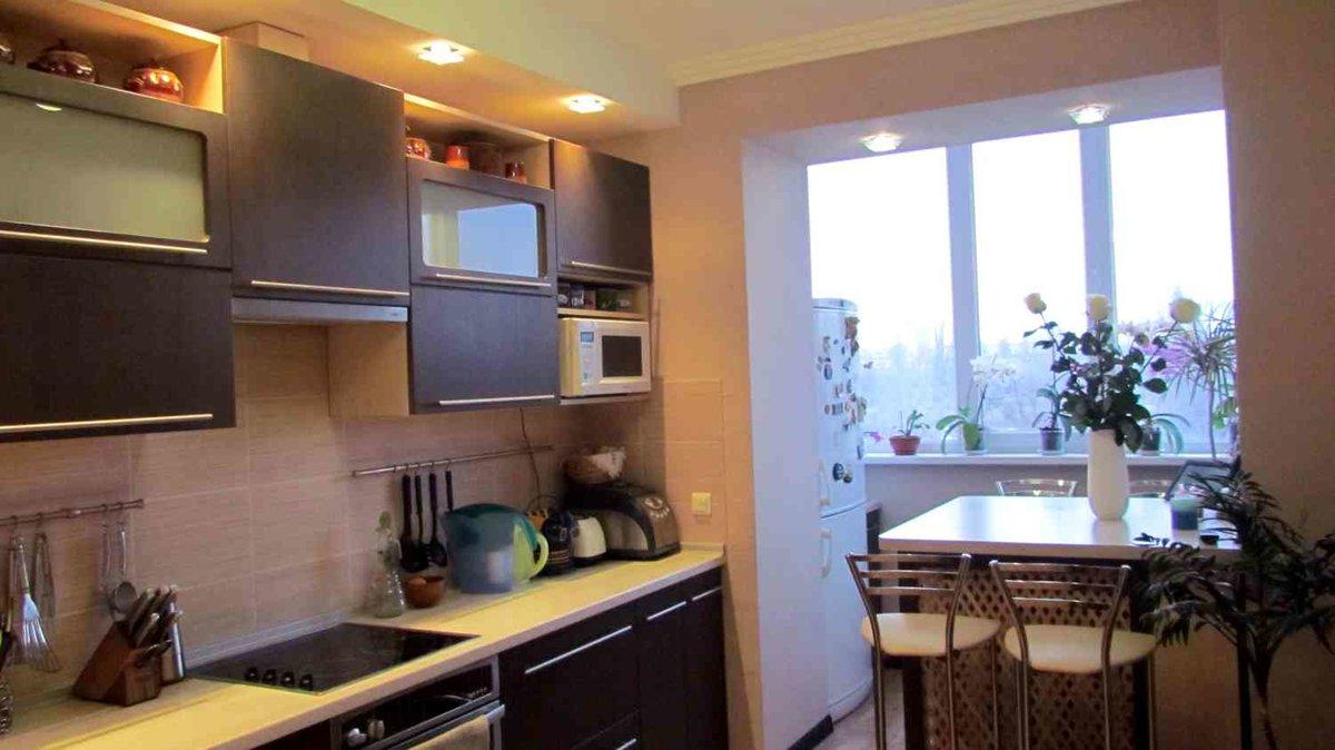 """Красивый интерьер совмещения кухни с балконом"""" - карточка по."""