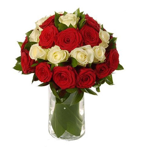 Букет сборка из роз красных и белых, доставка цветов