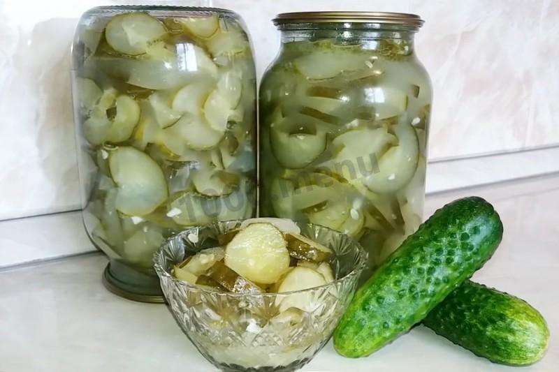 Как закрутить вкусный салат из огурцов без стерилизации на зиму: пять домашних пошаговых рецептов.