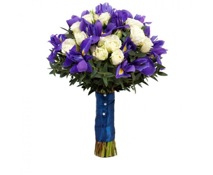 Букет невесты с белыми розами и ирисами