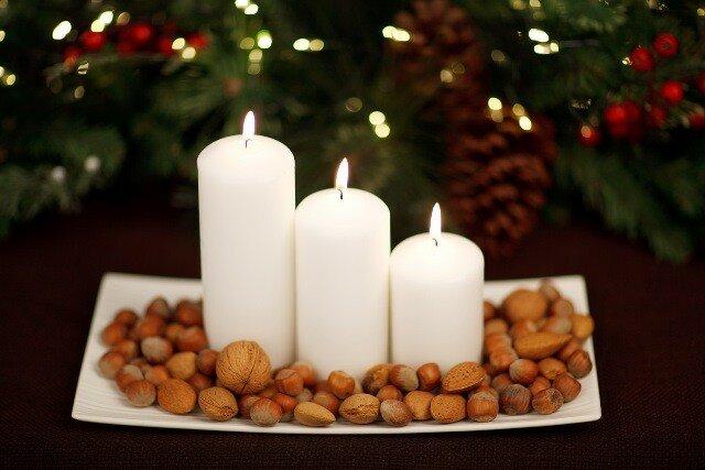 Новогодние свечи с орешками