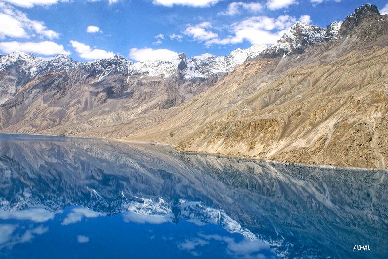 Сарезское озеро. Памир.