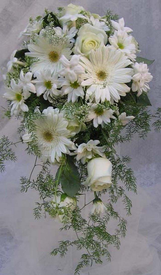 ромашки и розы в одном букете фото