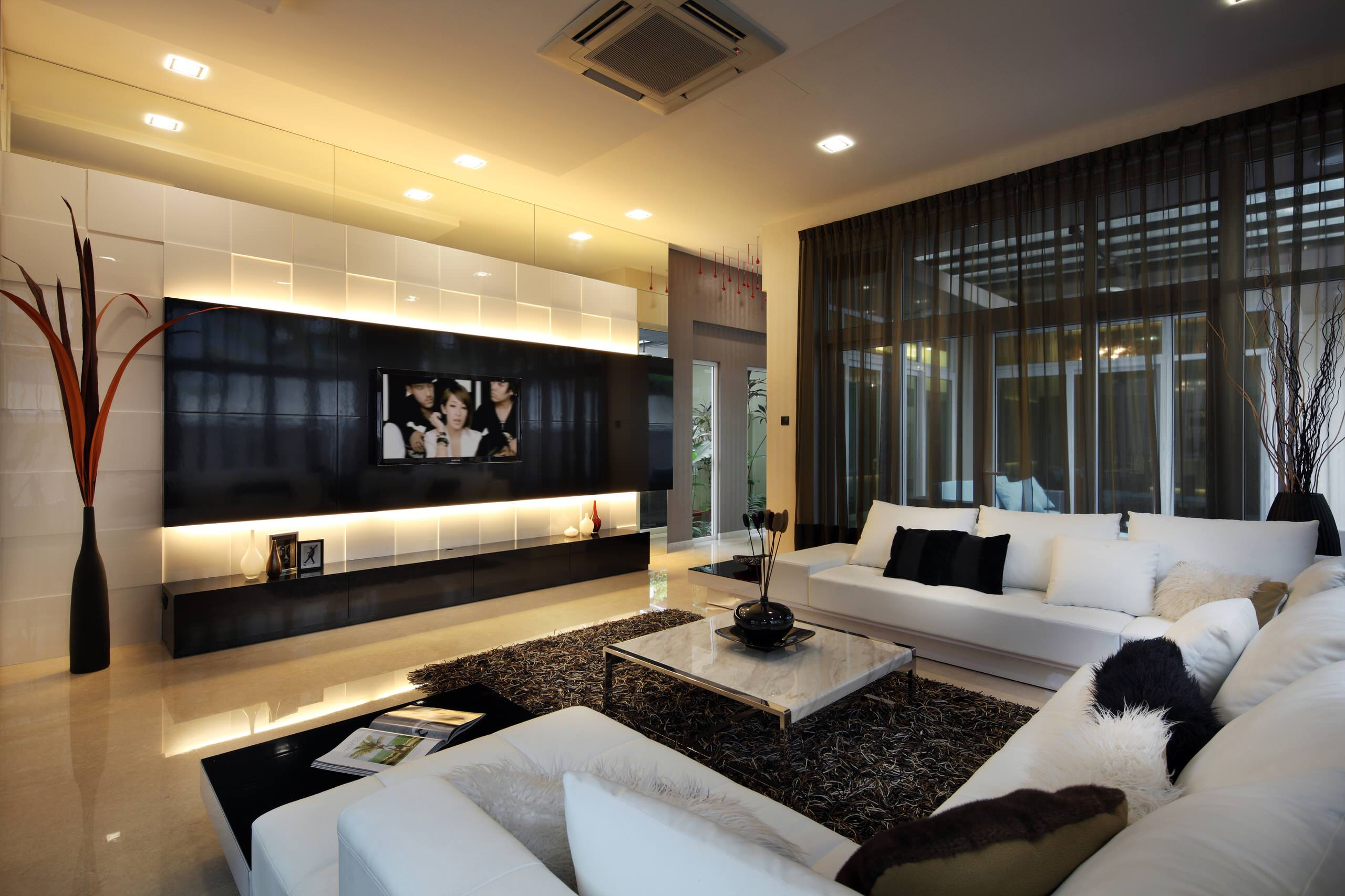Incredible modern house interior of formal living room decorating ideas with elegant white u shaped sectional sofa and square coffee t how to decorate