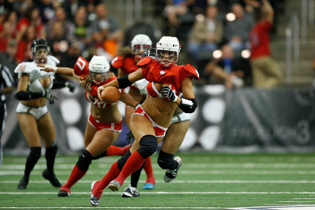 big-boobed-women-with-football-helmet-bikini-strippers-videos