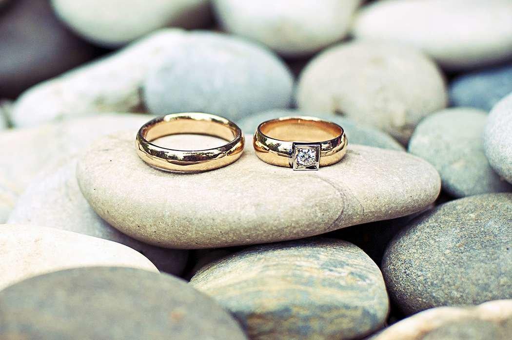 Свадебная картинка из камней