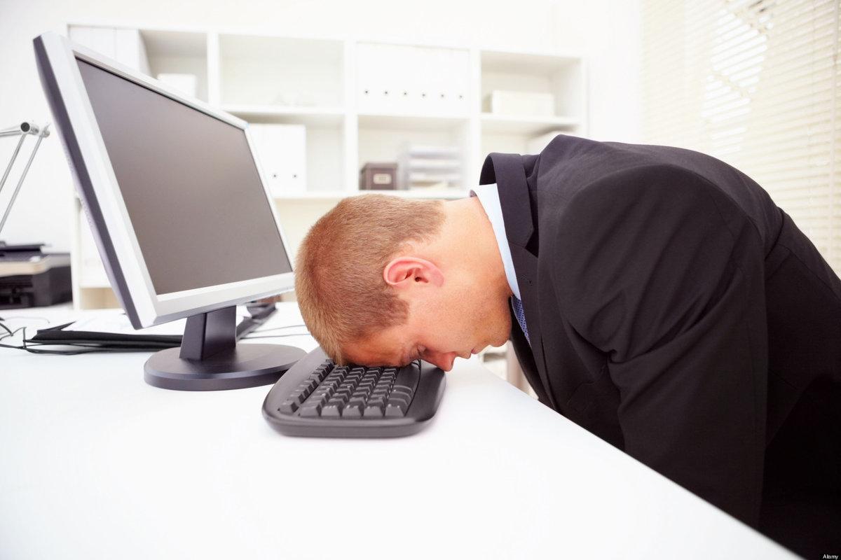 Картинка смешной человек за компьютером, открытке вербным