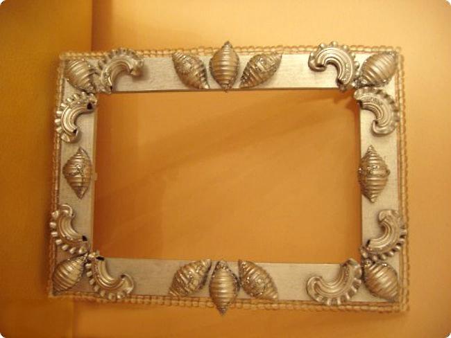 фото пример самодельные рамки для фотографий из макарон что