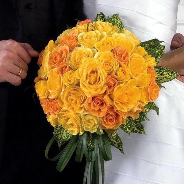 Весенний недорогие, желтый букет невесты каскадный из розы