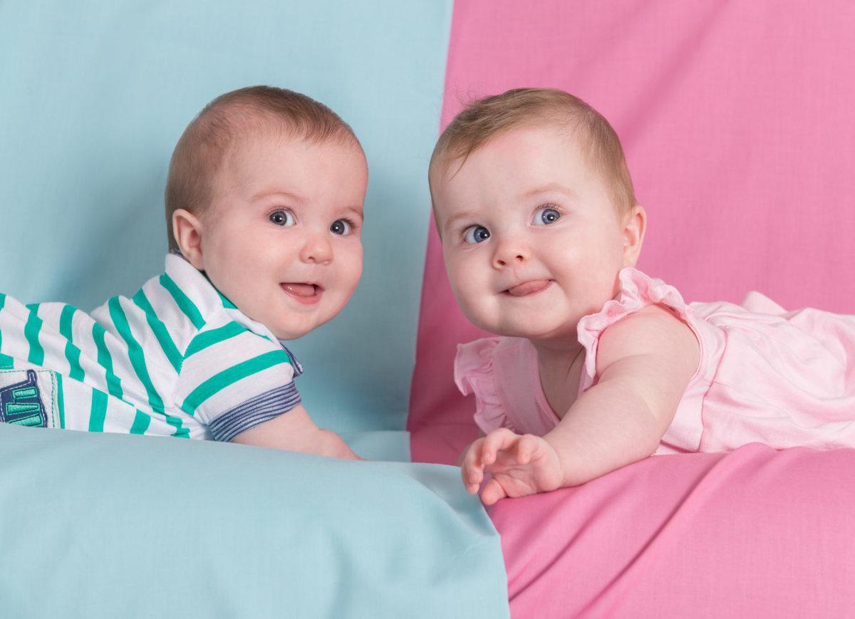 Картинка с двойняшками мальчиками