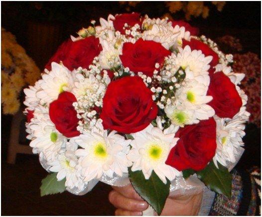 Красный букет невесты из роз и хризантем, букет льняные интернет