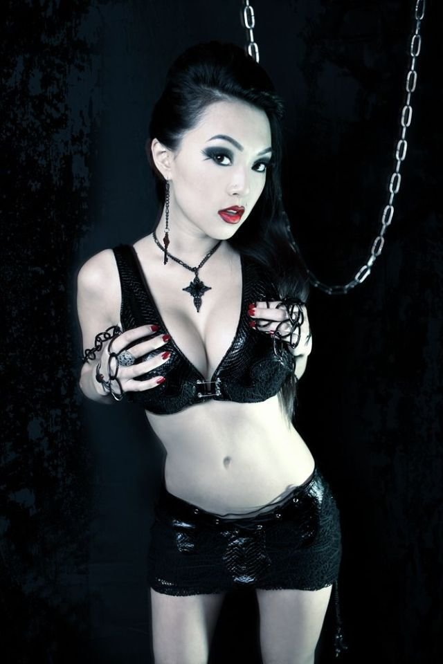 sexy-asian-vampires