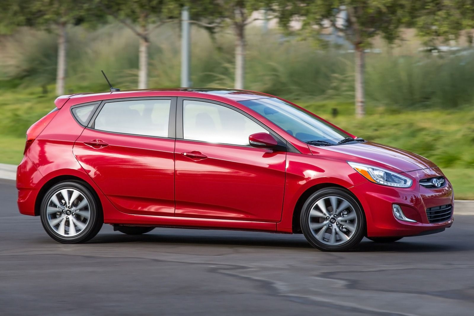 sport mundane first article you it reviews done elantra photo hatchback car has save drive gt hyundai sporty