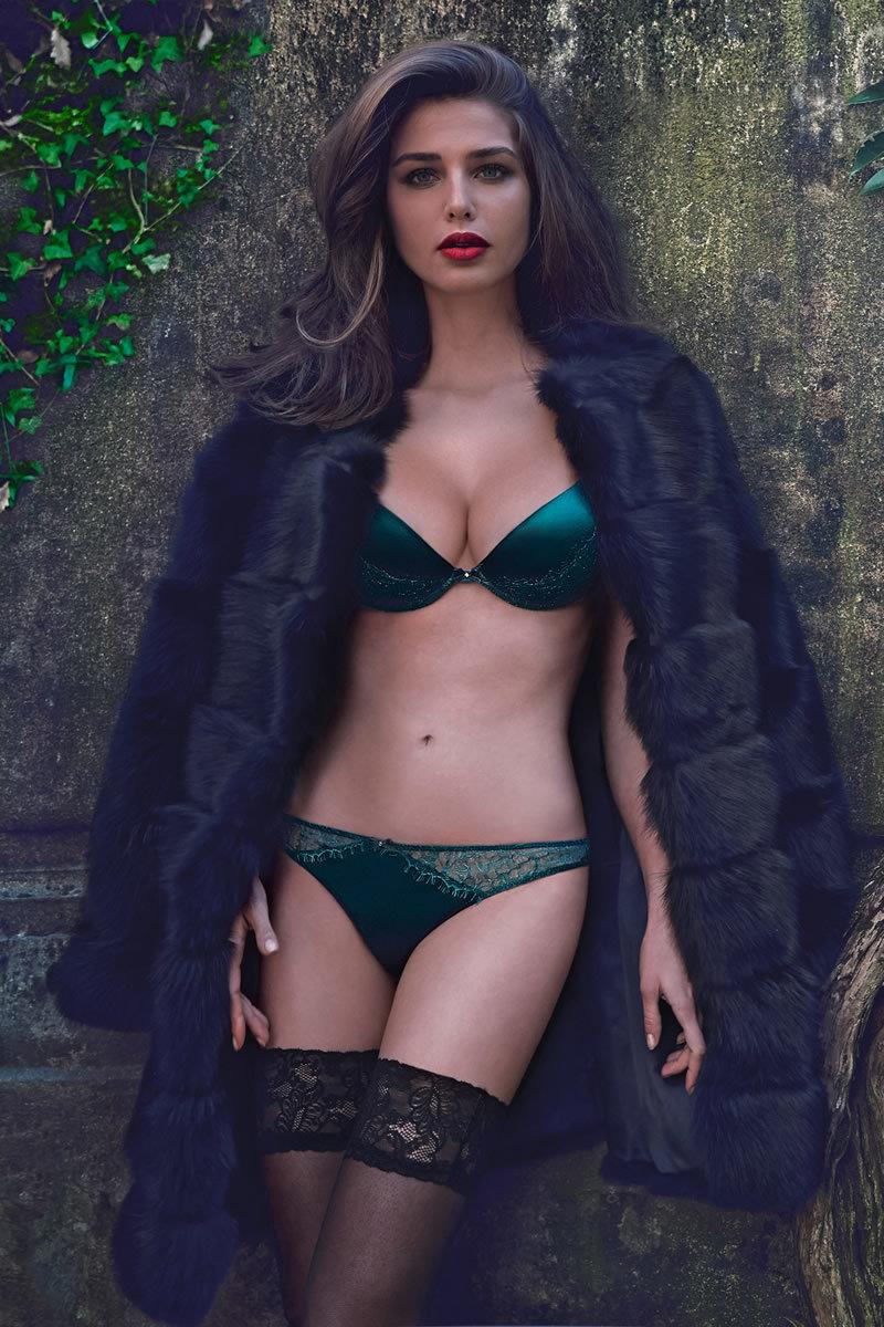 Онлайн пожилую видео красоток в нижнем белье порно большие груди