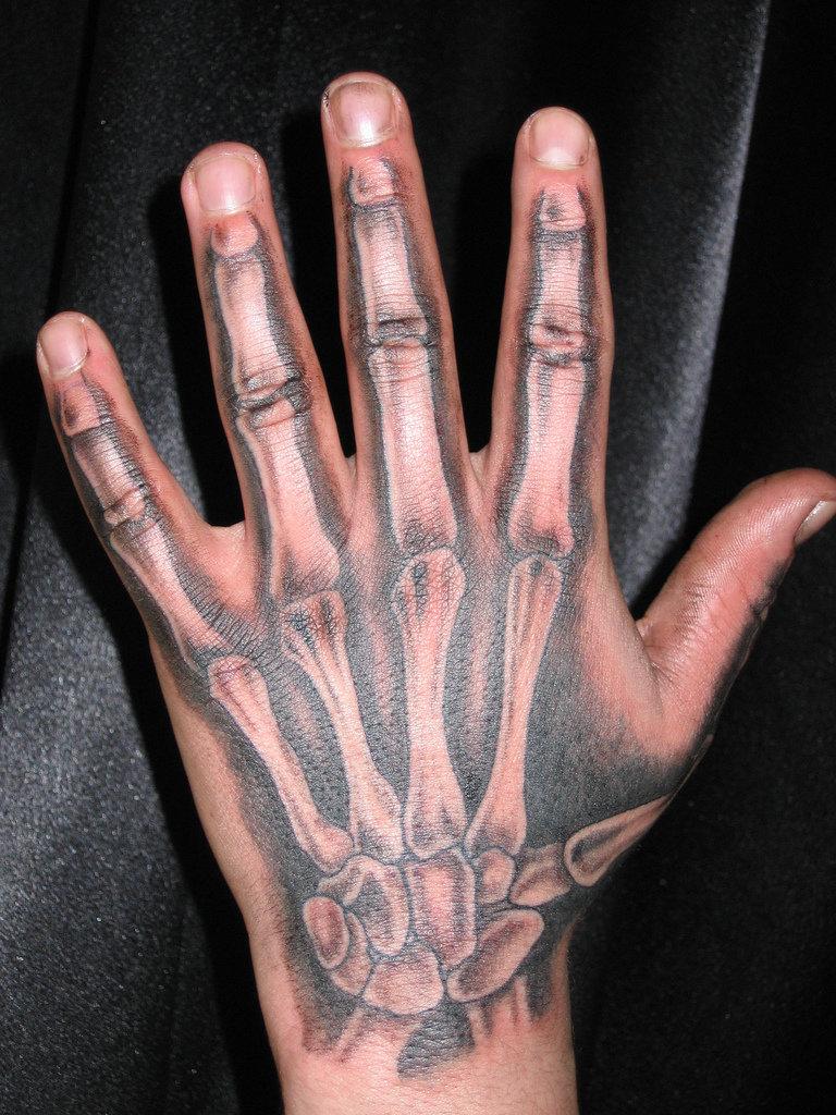 полный рост фото тату кости руки очень