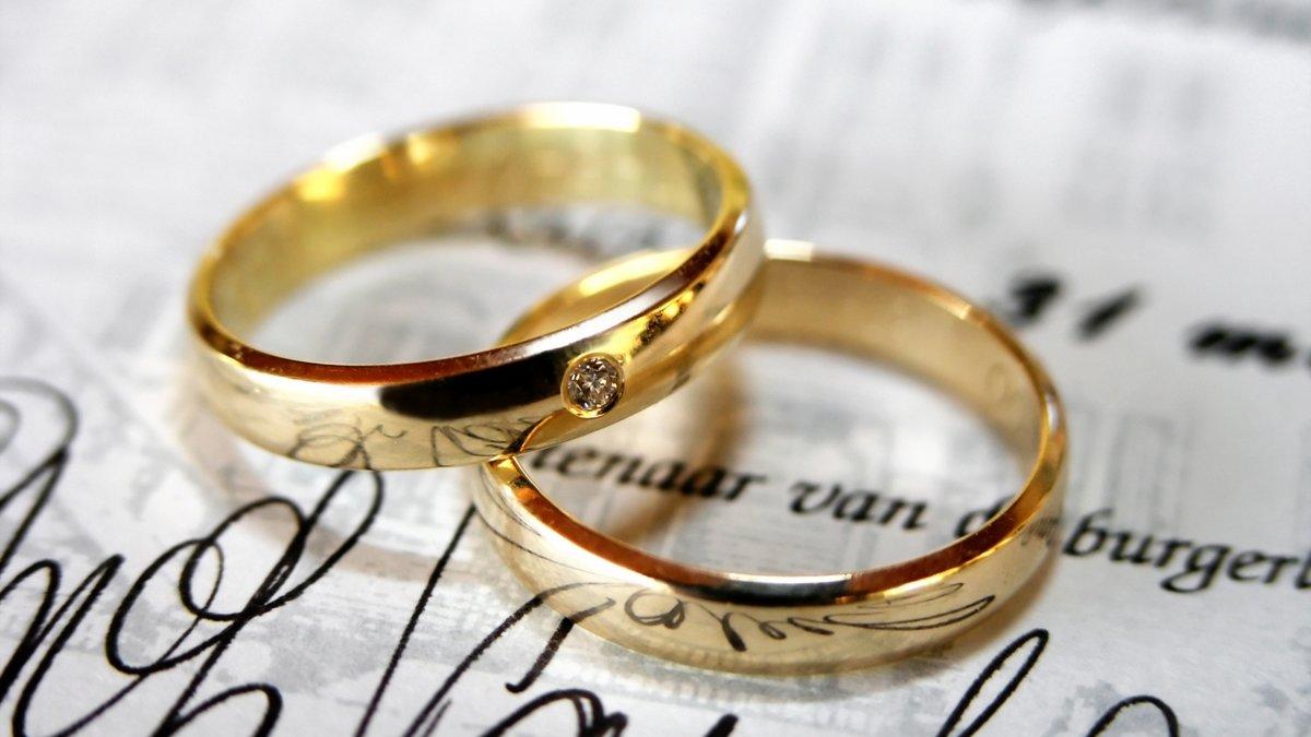 Маши рубля, открытки на 6 месяцев свадьбы