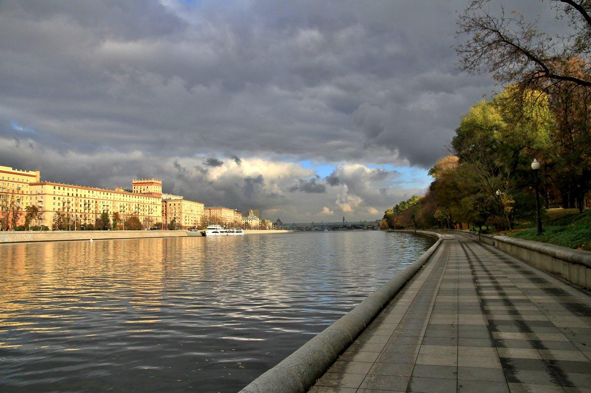 предлагаю вам фото парков на набережной реки москвы поверхностный