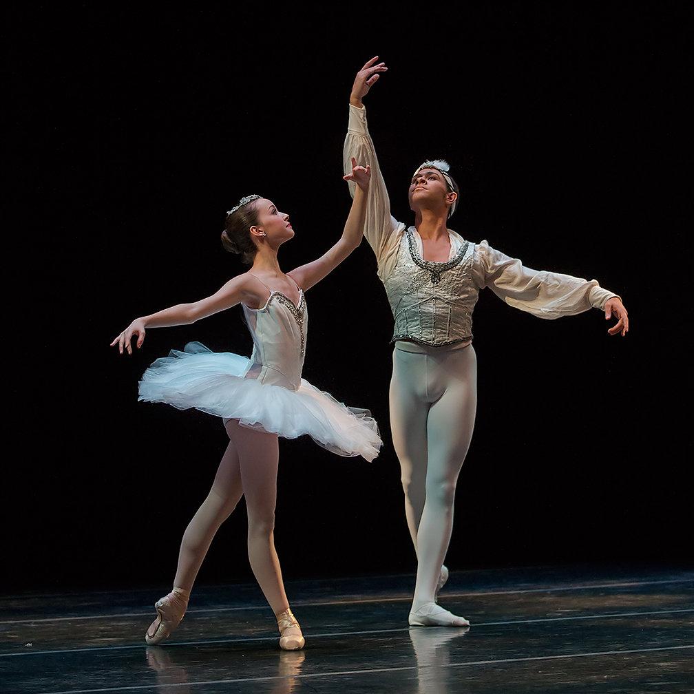 Балерины за кулисами фото переваривала ударные