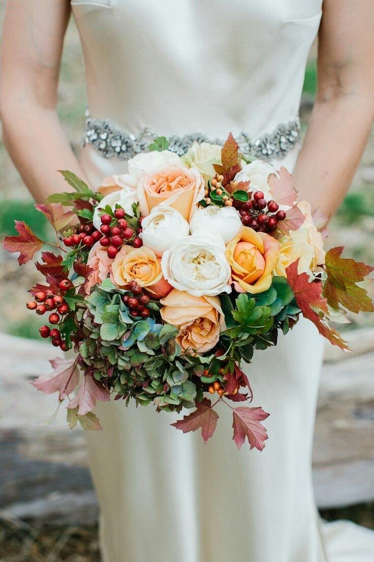 Цветов, букет невесты с осенними листьями