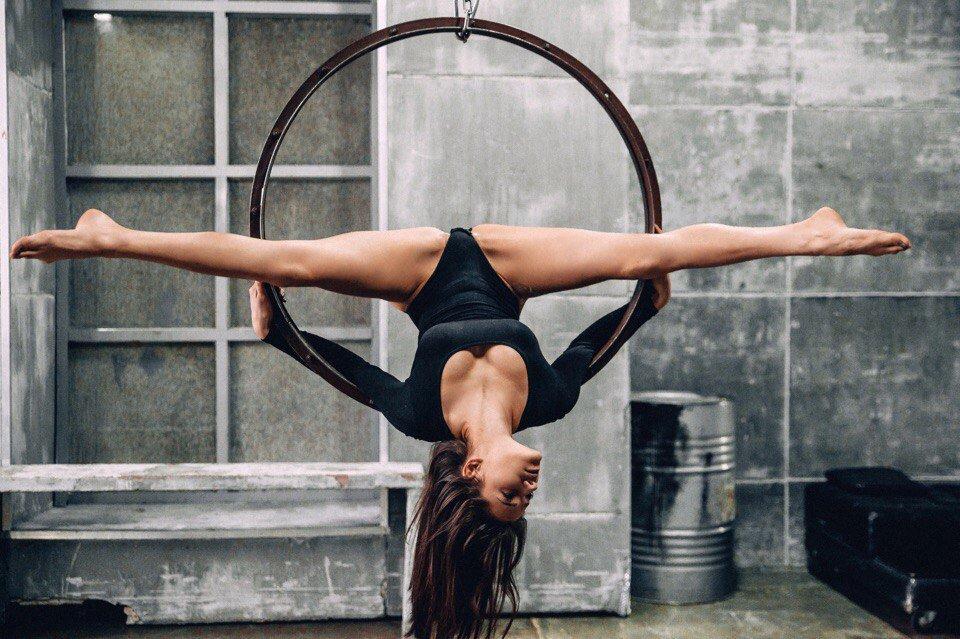 картинки гимнастки на шпагат ней располагается