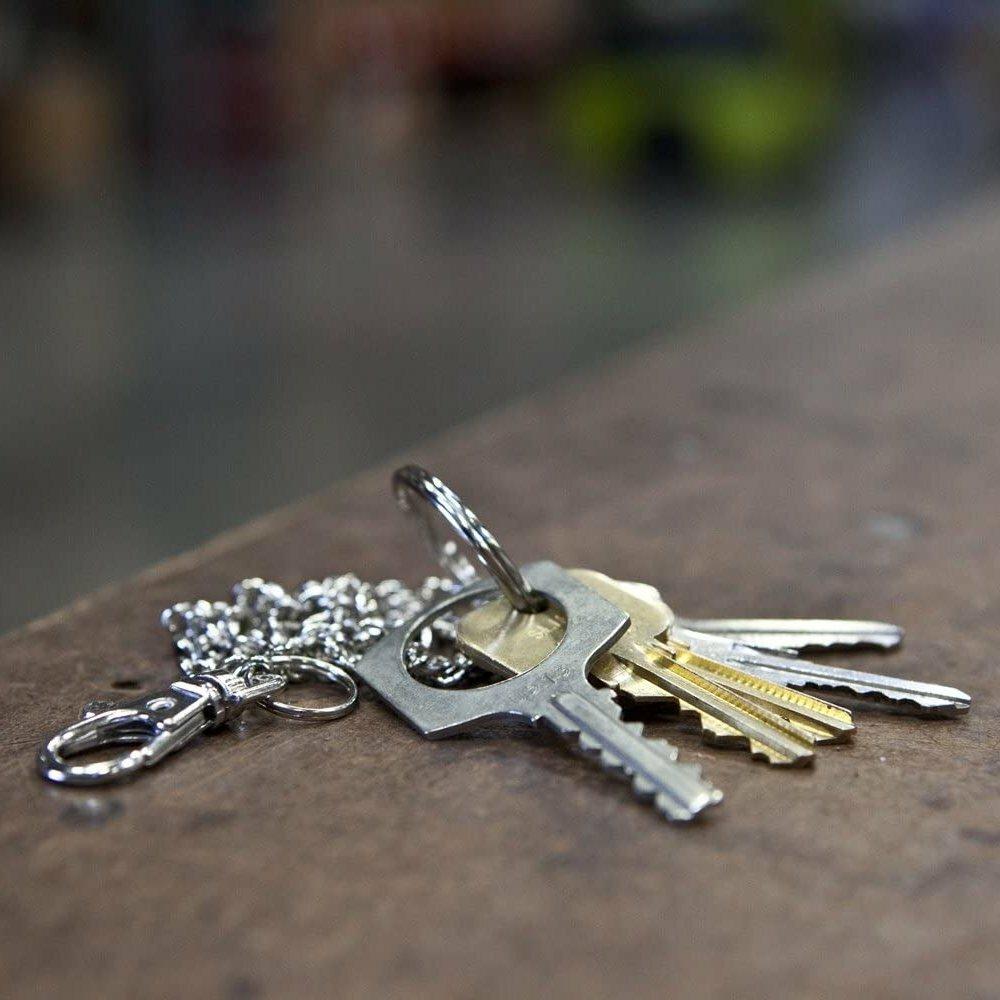 Цепочка для ключей с карабином