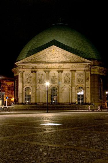 собор святой ядвиги в берлине картинка