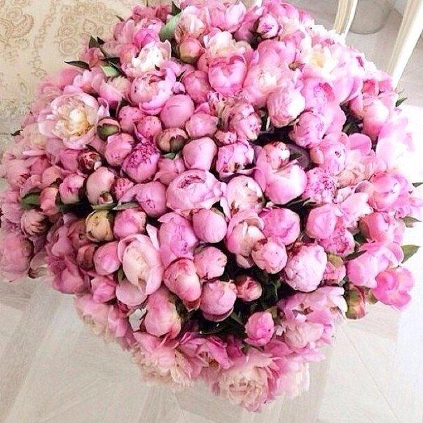 Композиции из живых цветов в корзине: обзор ФОТО! 39