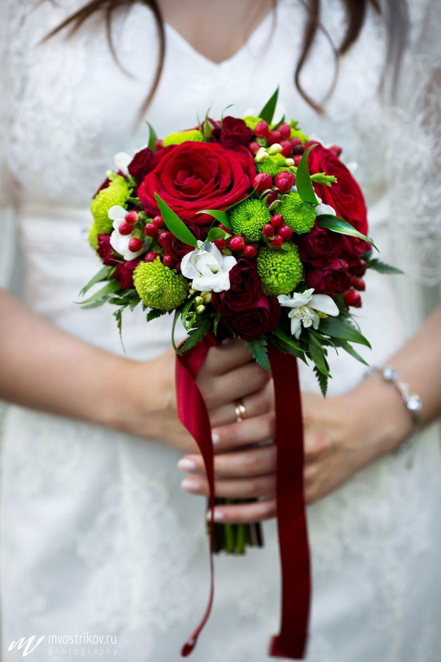 Букеты херсон, свадебный букет в красном цвете фото