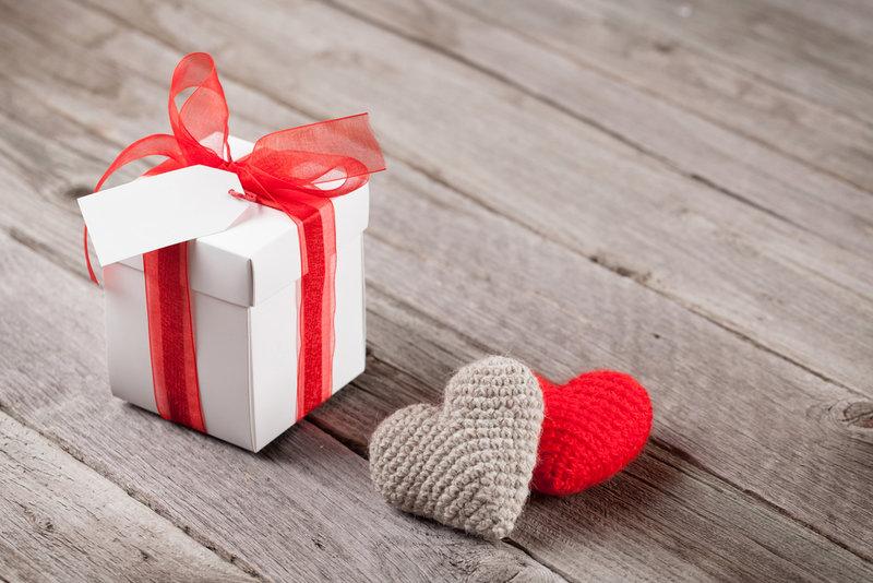 оригинальный подарок девушке на 14 февраля купить маячки