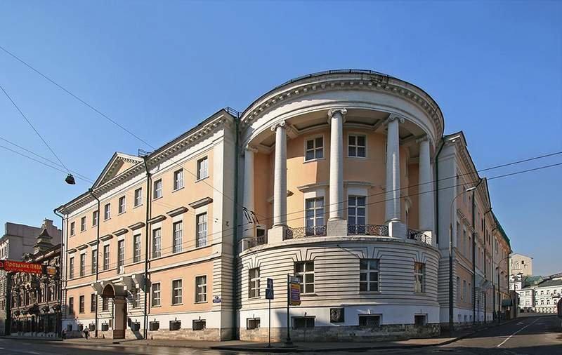 дом Юшкова на углу Мясницкой улицы в Москве