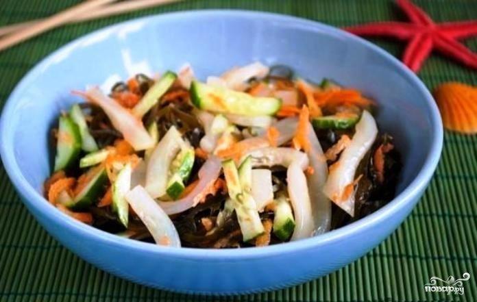 салат морской с кальмарами и морской капустой