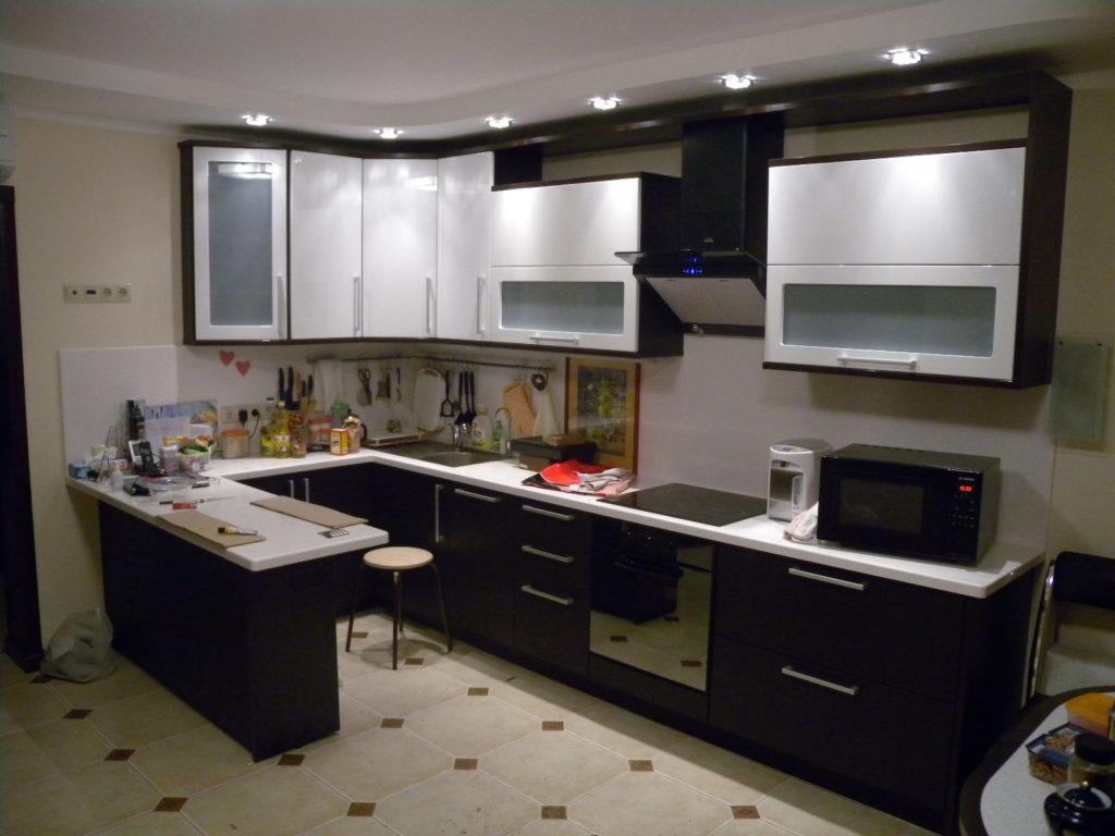 Г образные кухонные гарнитуры купить готовую кухню в
