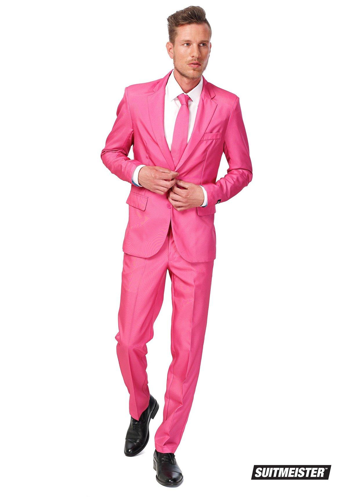 Картинки розового костюма