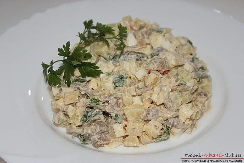 Мясной салат оливье фото